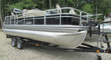 2017 Lowe SF234 Fishing Pontoon