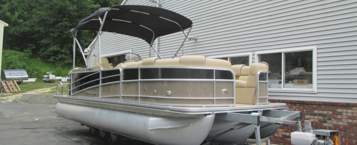 2018 Berkshire 23E Bar Boat Black and Bronze 003