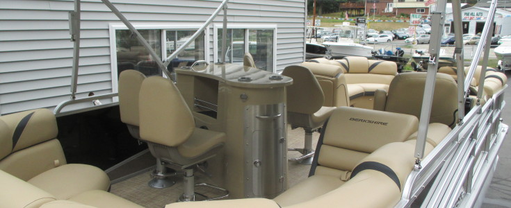 2018 Berkshire 23E Bar Boat Black and Bronze 004