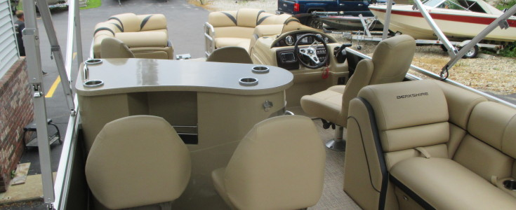 2018 Berkshire 23E Bar Boat Black and Bronze 006