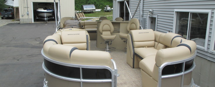 2018 Berkshire 23E Bar Boat Black and Bronze 007