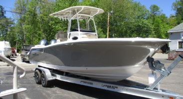 Nauticstar 2602 Legacy In Tan W/ Tan T-Top TWIN Yamaha 150HP's